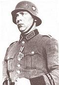 Немецкий солдат в каске М 35